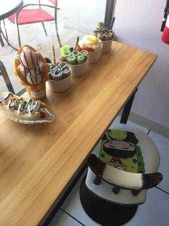 Cute Dessert models - Picture of Halo Zero, Oviedo - TripAdvisor