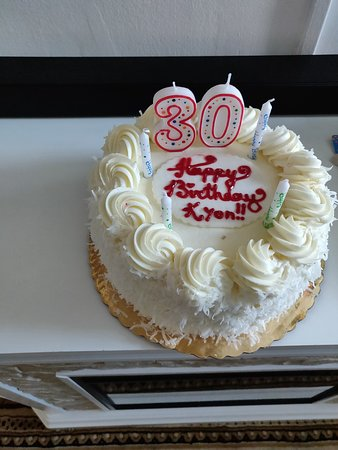Super Coconut Cake Picture Of Mias Bakery Brooklyn Tripadvisor Personalised Birthday Cards Paralily Jamesorg