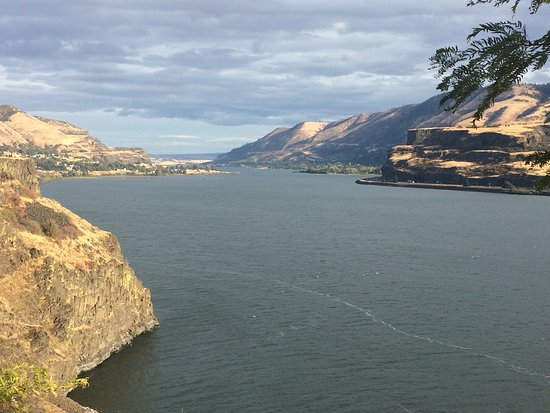 Columbia River Gorge: the gorge