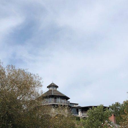 Lands End Inn: photo1.jpg