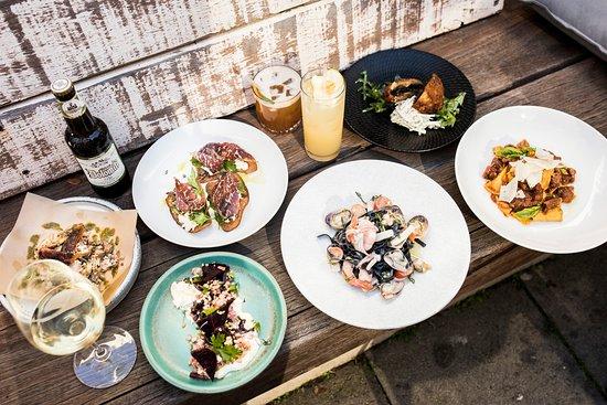 Inglewood, Australia: Lunch & Dinner offering