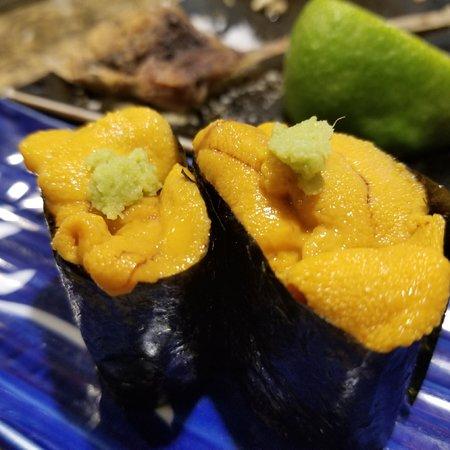 Tokkuritei: Sushi bar with chef kazu San