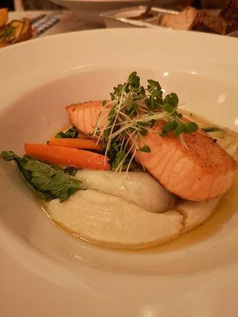 Fazenda Bazars: Salmon with superb parsnip purée