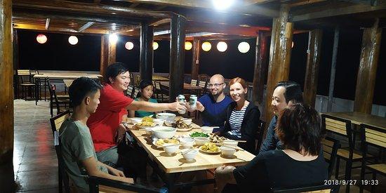 Đồng Văn, Việt Nam: Family Dinner