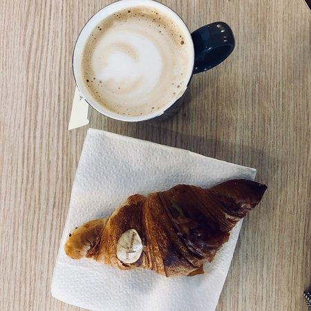 ITIT Il Sandwich Cafe: photo0.jpg
