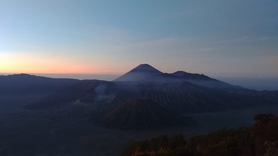 Tengger Caldera, Indonesia: sunrise at penanjakan 1