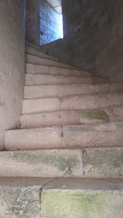 Jumieges, Frankreich: escalier, interdit au public ,bien sûr
