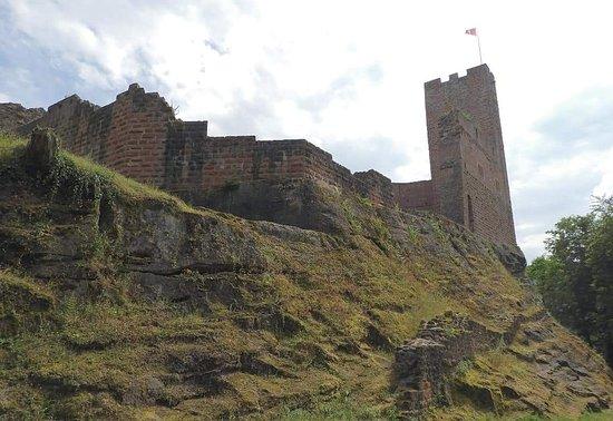 Wangenbourg, Francja: vue en arrivant au chateau