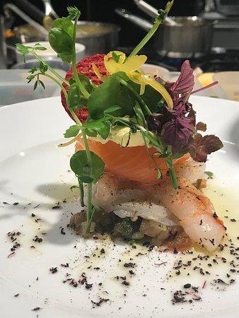 Espace Culinaire Bulthaup : Emincé de coquilles St Jacques, saumon et langoustines, vinaigrette samba