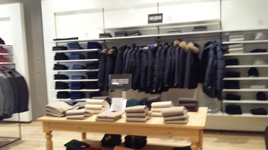 INTERNO NEGOZIO... - Picture of Fashion City Outlet, San Giuliano ...