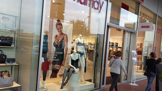 VETRINA... - Picture of Fashion City Outlet, San Giuliano ...