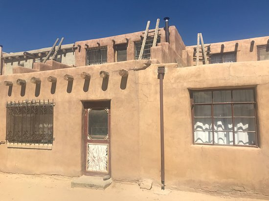 Pueblo of Acoma, Νέο Μεξικό: Old (very old) and new in the pueblo