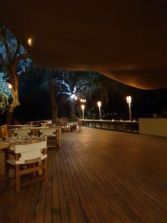 Lower Zambezi National Park, Zambia: dining area at night