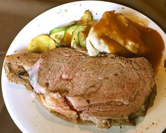Lowville, NY: Ridgeview Inn Restaurant & LoungePrime Rib