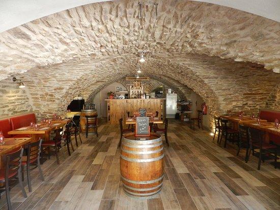 Saint-Pons-de-Thomieres, ฝรั่งเศส: La salle voûtée du 13ème siècle