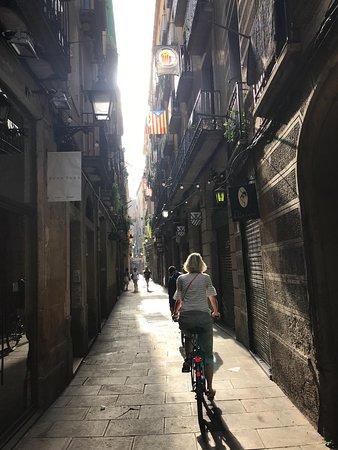 Steel Donkey Bike Tours: The charming back streets of Barcelona