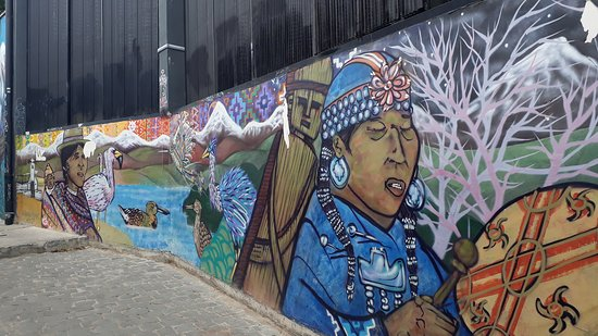 Tours 4 Tips: Mural