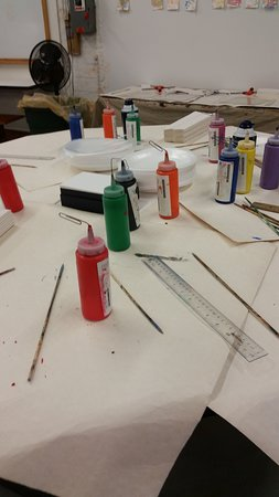 Crane Museum of Papermaking: Art area where visitors may try marbelizing