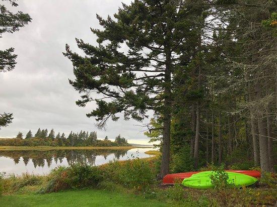 Shemogue, كندا: Kajak können gemietet werden