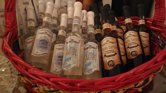 Partner Wine Store: Vino cotto e bottigliette di anice e anice stellato. Venite a provarle da Partner Wine.
