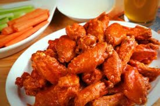 Listowel, Kanada: Delicious oven baked wings