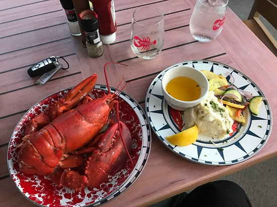 Noank, CT: 2-3 lb with accompaniments