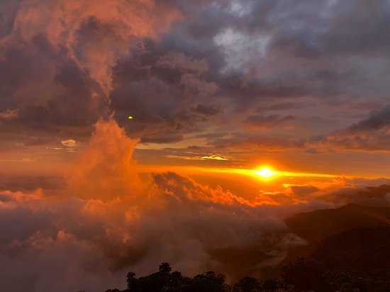 Quetzaltenango, กัวเตมาลา: Sunset main time amazing time lets have this view guys!!