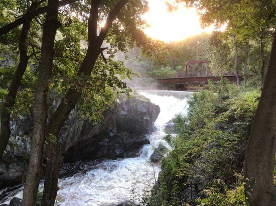 Norwich, CT: Yantic Falls