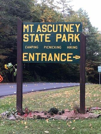 Ascutney, Βερμόντ: Leaving the park