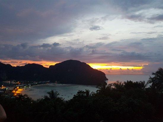 Koh Phi Phi Viewpoint: 20181009_182427_large.jpg