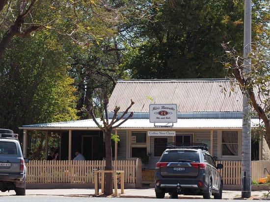 Wilcannia, Australia: Street view of Miss Barretts cafe