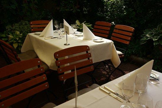 Im Lauschigen Hinterhof Picture Of Restaurant Maxime