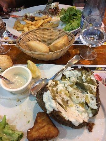 Ibos, França: Ma pomme de terre au four immangeable
