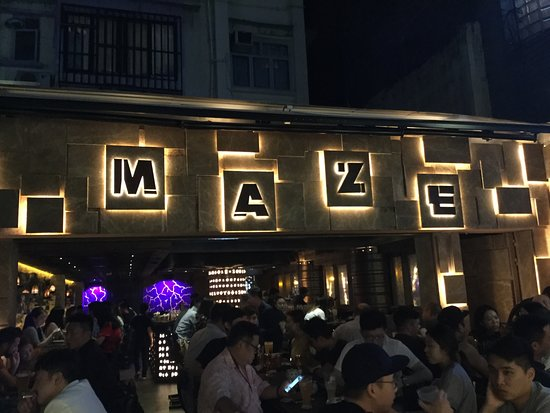 Knutsford Terrace: Maze entrance picture