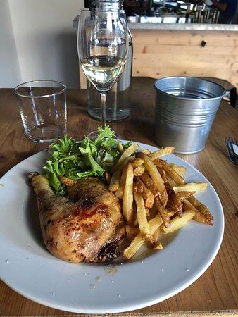 Le Bouscat, فرنسا: Plat (menu 14€) : poulet frites