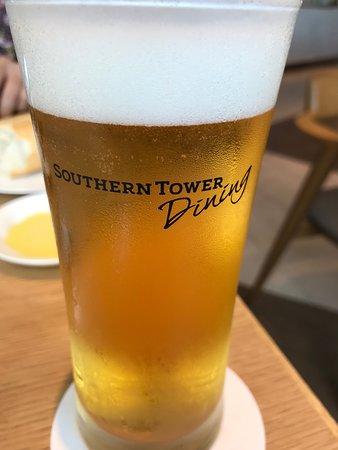 お洒落なビールグラス
