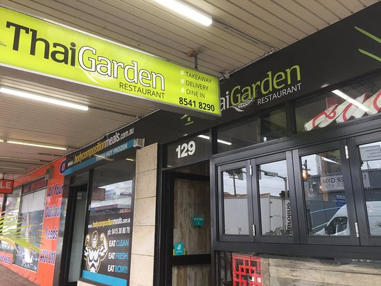 Auburn, Australia: Small entrance along Parramatta Road