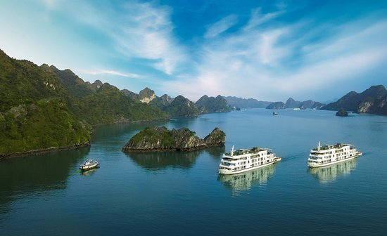Hai Phong, Vietnam: Era Cruises in the bay