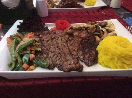 Majestic Restaurant İçmeler : Huge T Bone Steak