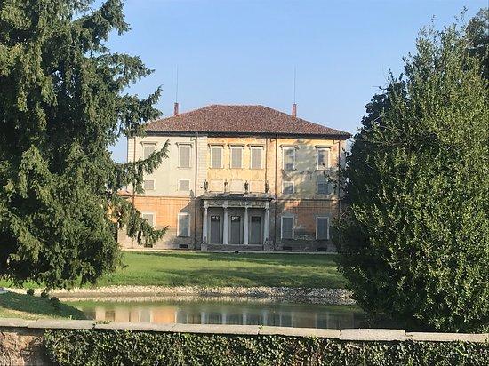 Santa Maria del Campo: villa Martucci 2