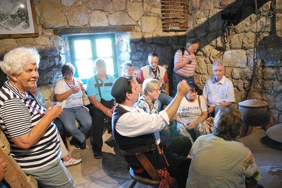 Drnis, Kroatien: Die Küche in Opas Haus