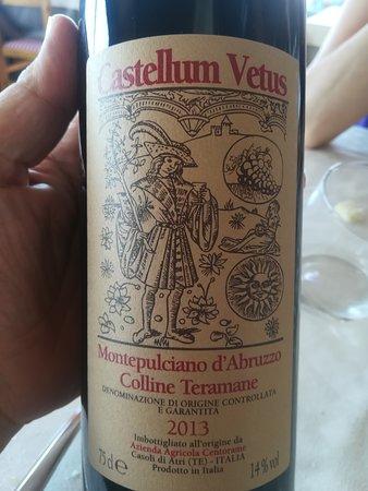 Mutignano, Włochy: vino