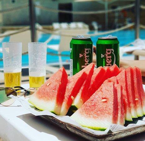 Hotel Yehuda : pool snacks