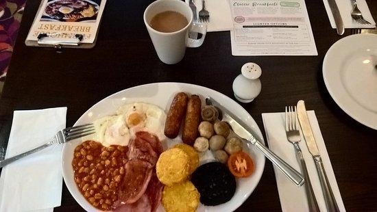 Cribbs Causeway, UK: Breakfast bar for hot food
