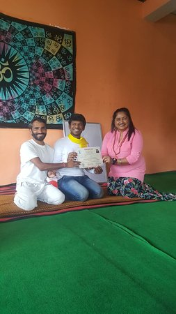 Bhagsu Nag, Indien: Certificate ceremony September month