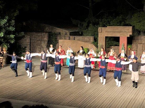"""Танцевальный Театр """"Дора Страту"""": The men show their stuff"""