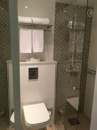 Arlandastad, Sverige: Tiny bathroom