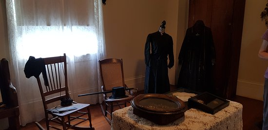St. Joseph Plantation: mourning room