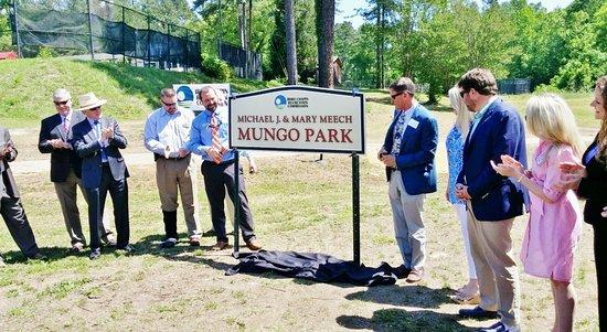 Mdedication, ichael J and Mary Meech Mungo Park, Columbia