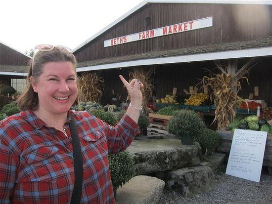 Warren, ME: Our Beth at Beth's Farm Market!